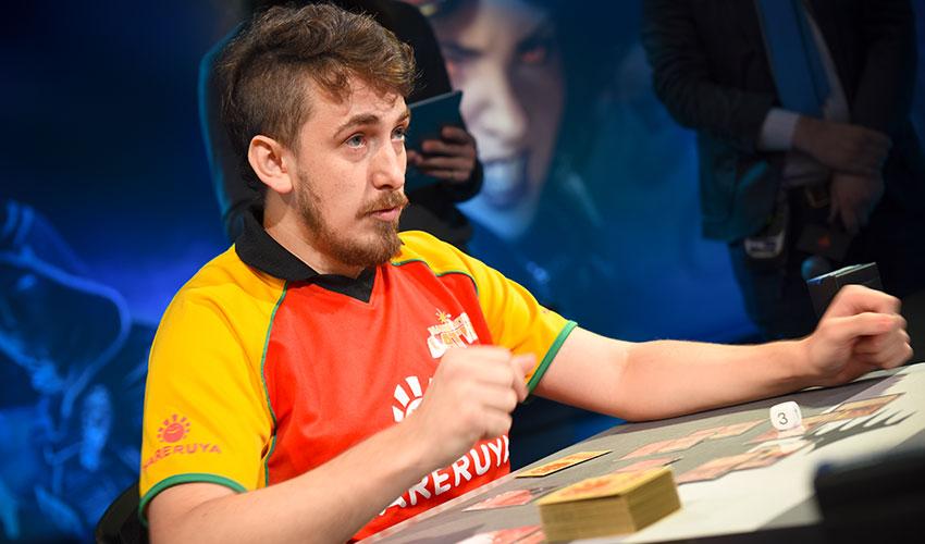 Como ganhar o título de Jogador do ano mudou a vida de Luís Salvatto